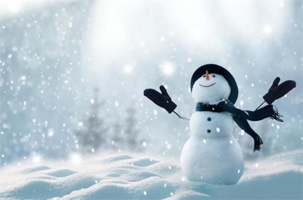 又要面对下大雪了!教你5个清除车上积雪小妙招1