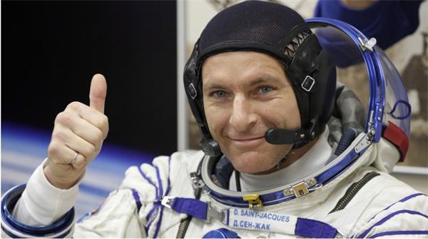 """加拿大宇航员成功升空与""""太空经济""""1"""