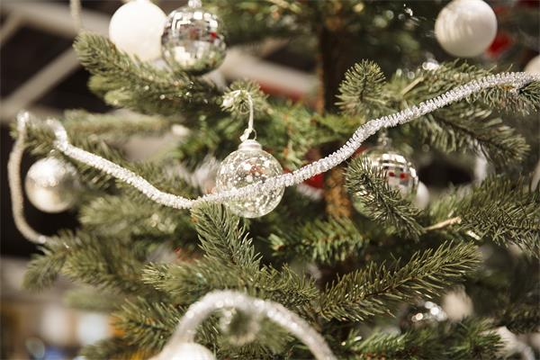 圣诞树彩灯,很多人都做错了?5