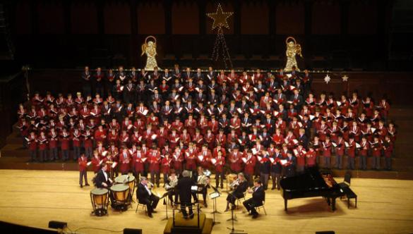 每年举办圣诞合唱音乐会,加拿大唯一男生唱诗合唱学校4