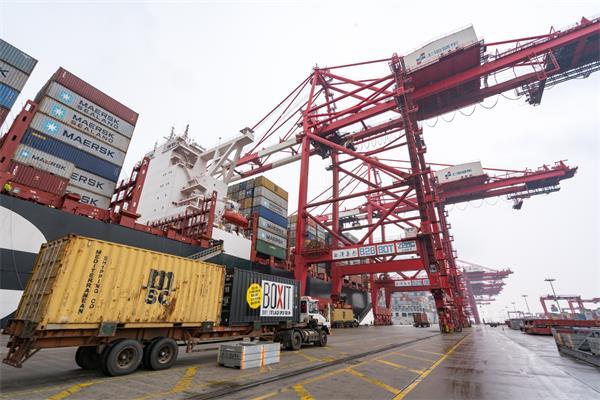 中国在加拿大的投资减少一半3