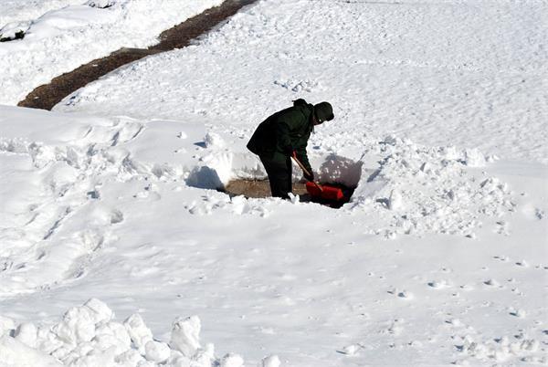 大雪连绵,如何正确铲雪?3