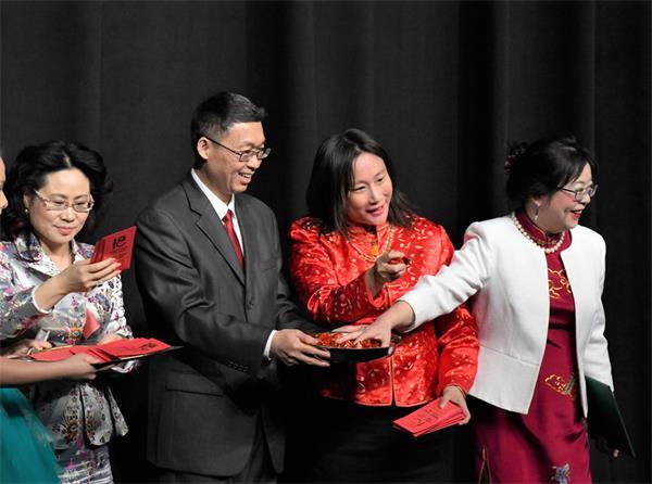 第四届孩子们的春晚获盛赞,与近两千人共庆春节6