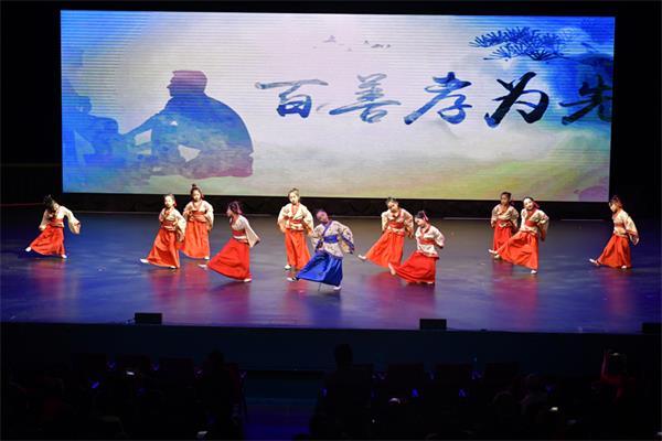 第四届孩子们的春晚获盛赞,与近两千人共庆春节10