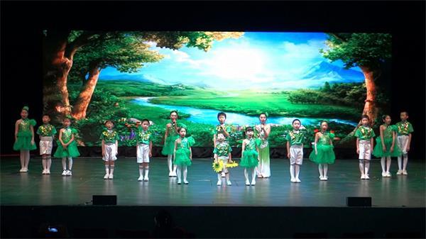 第四届孩子们的春晚获盛赞,与近两千人共庆春节11
