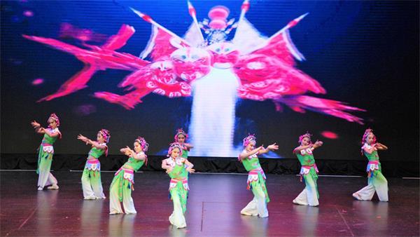 第四届孩子们的春晚获盛赞,与近两千人共庆春节12
