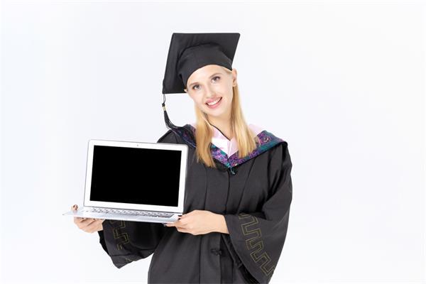 安省高中生参加在线学习课程算学分3