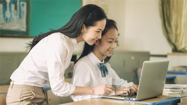 安省高中生参加在线学习课程算学分5