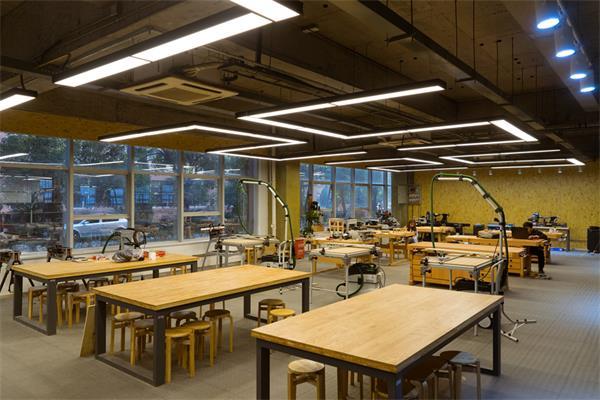加拿大滑铁卢大学的王牌:带薪实习系统3