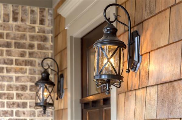 门廊灯真的能阻止窃贼进入你的房屋吗?2