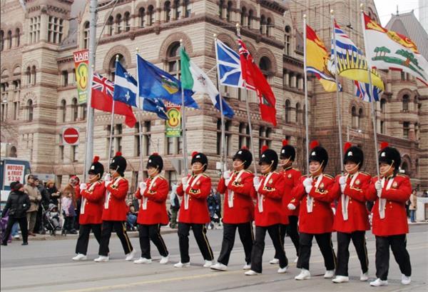 加拿大人在维多利亚日都做些什么?3