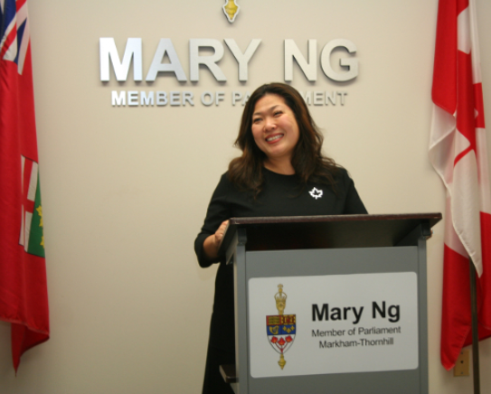 加拿大联邦部长伍凤仪亲临加中地产投资总商会解析房地产最新政策3