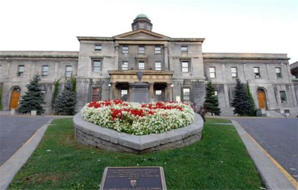 与中国高考相比,在加拿大申请医学院要通过多少考验?8