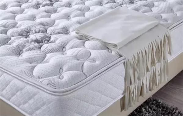 搬家换房旺季快到了!从哪里可以买到经济又实惠的床垫和家具呢?6