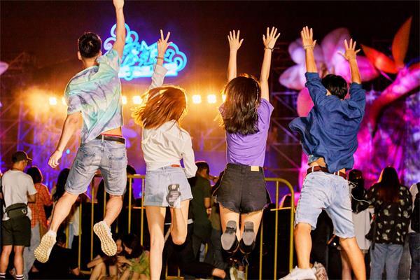 【疯狂周末玩不停】音乐会、美食节、农贸市场2
