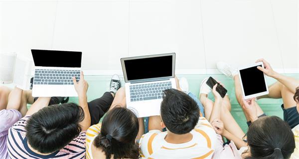 使用手机限制,安省的学生们果真要退出群聊啦!2