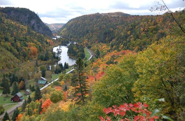 震撼!加拿大的秋天这么过最美!5