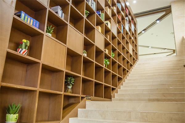 不要浪费了这个宝地,楼梯关乎整栋房屋的颜值3