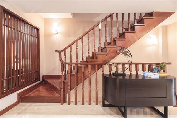 不要浪费了这个宝地,楼梯关乎整栋房屋的颜值7
