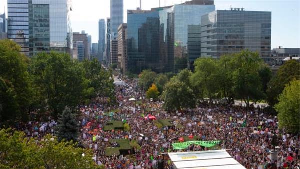 震憾!加拿大人聚集全国呼吁政府应对气候变化1
