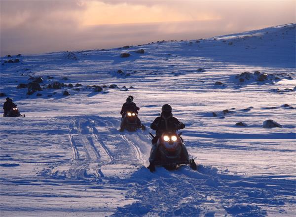 追光之旅,加拿大极光和北欧的有何不同?6