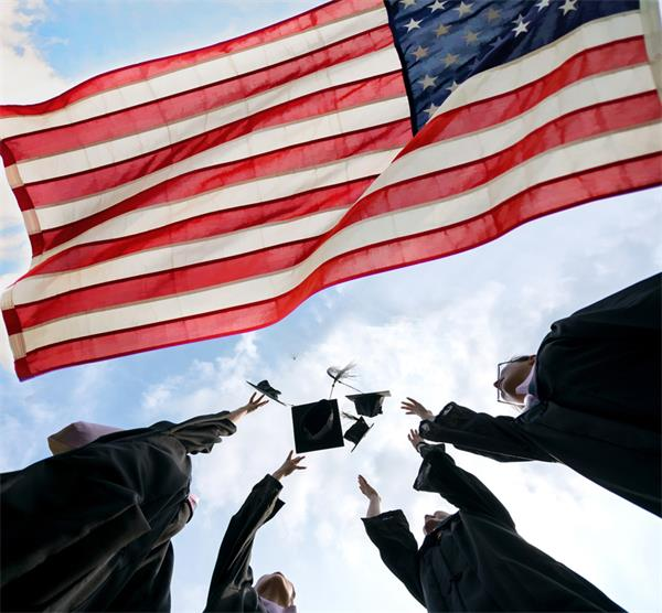 人数成倍增长!为什么越来越多的国际学生选择加拿大求学?4