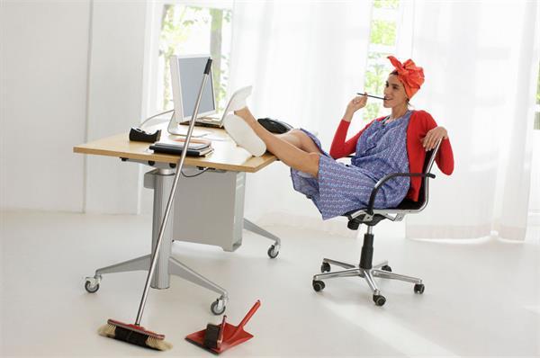 八种可以在家办公薪资超过7万的工作1