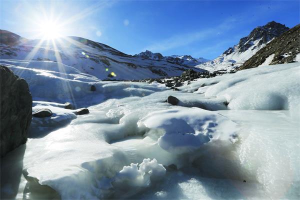 加拿大冬季最酷炫的打卡必到旅游之地1