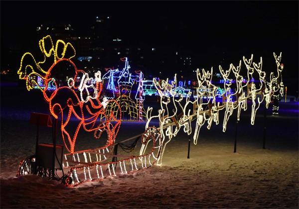 【疯狂周末玩不停】加拿大冬季滑冰、看灯走起!8