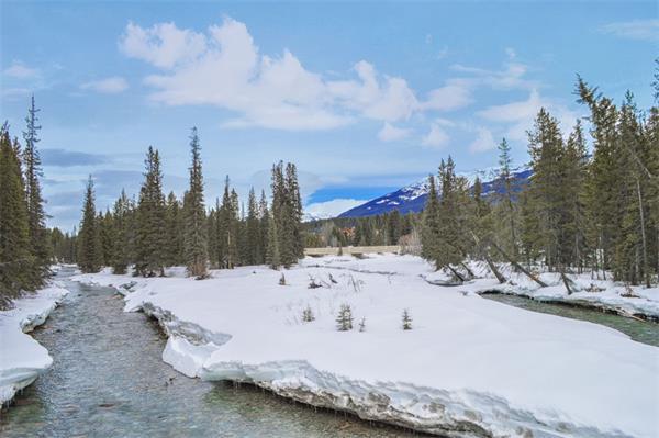 上热搜了!加拿大冬季这几处美景惊艳了全世界4