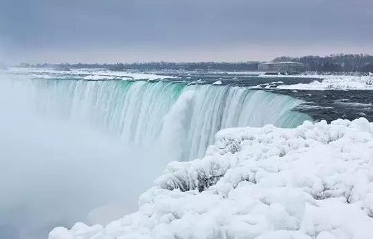 上热搜了!加拿大冬季这几处美景惊艳了全世界6