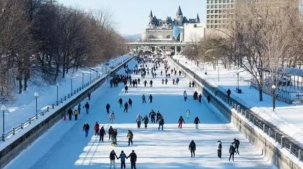 上热搜了!加拿大冬季这几处美景惊艳了全世界8