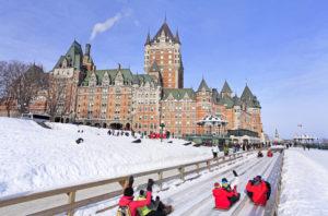 上热搜了!加拿大冬季这几处美景惊艳了全世界9