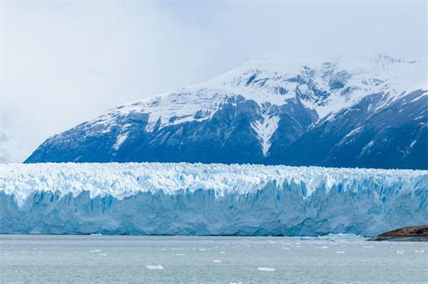 上热搜了!加拿大冬季这几处美景惊艳了全世界14