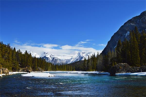 上热搜了!加拿大冬季这几处美景惊艳了全世界3