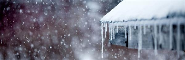 暴雪挖车,记住一定要先清除这个部位的积雪!6