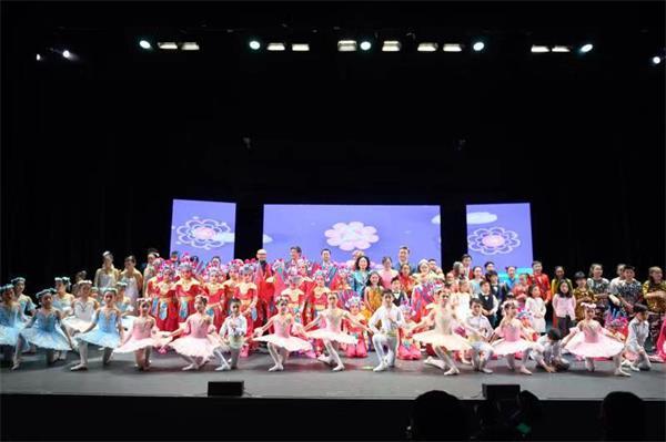 天降瑞雪迎宾客, 两台晚会庆新春——孩子们的春晚演出纪实15