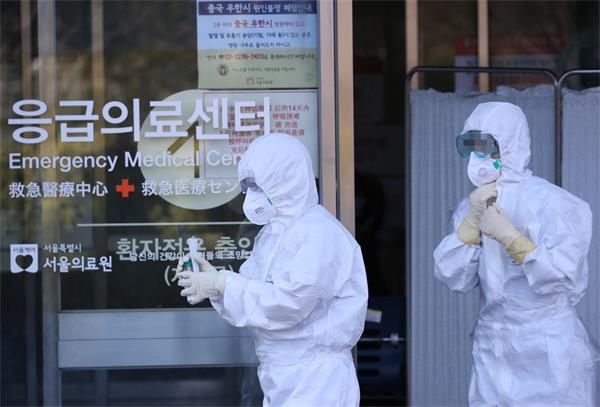 """韩国疑现""""超级传播者"""",61岁患者传染15人!""""钻石公主""""2人死亡5"""