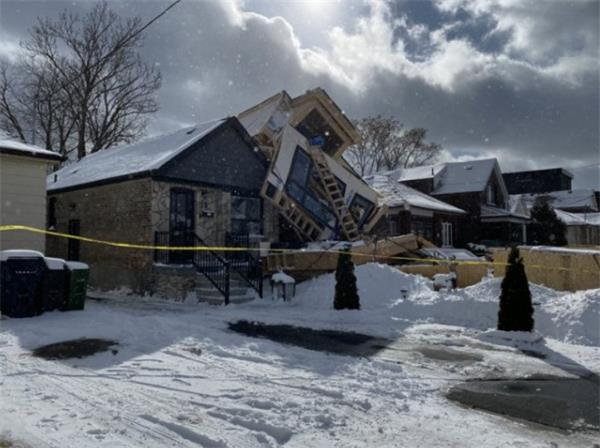 暴雪中多伦多房屋突然倒塌!你的房屋安全吗?1