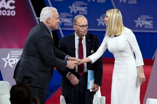 震惊!美国总统特朗普恐在华盛顿保守党大会上中招,多名议员已被隔离6