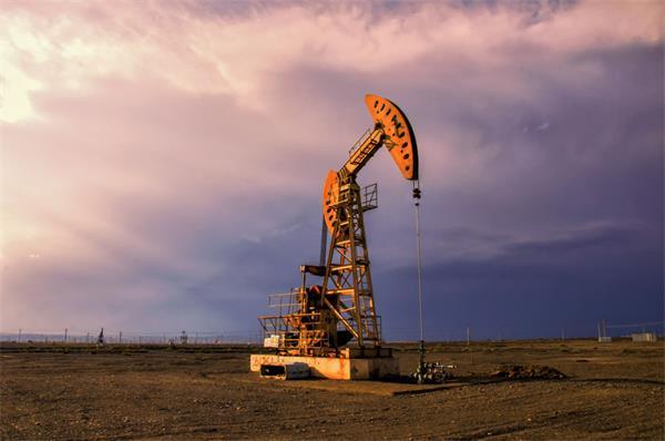 加币暴跌!70年来最惨!加拿大油价跌成负数!5