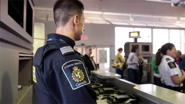 入境必须申报!加拿大海关已没收上千万现金3