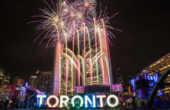加拿大喜迎特殊国庆日!特鲁多在农场做义工!皇室成员视频庆祝!4