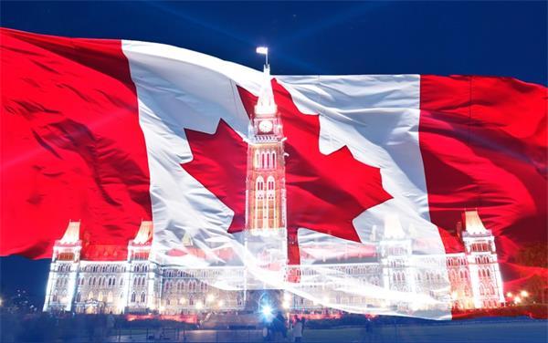 加拿大喜迎特殊国庆日!特鲁多在农场做义工!皇室成员视频庆祝!5