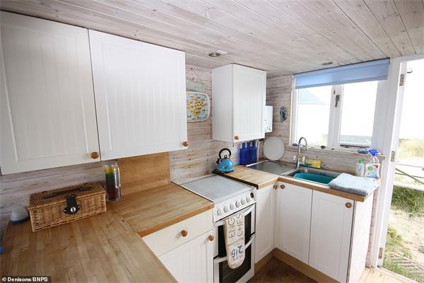 """""""宅度假""""英国新风尚!天价小木屋成为英国史上最贵的海滩小屋!6"""