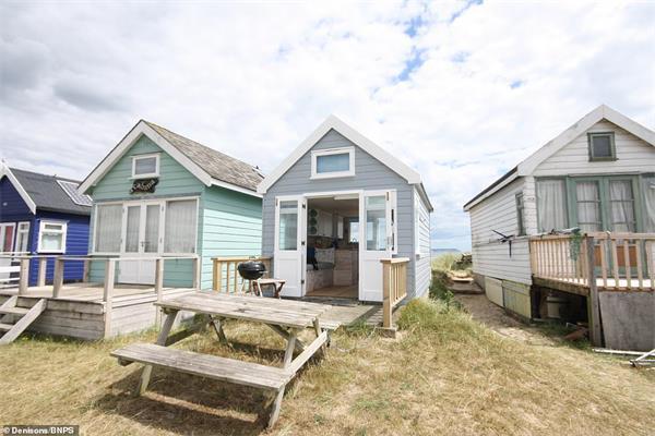 """""""宅度假""""英国新风尚!天价小木屋成为英国史上最贵的海滩小屋!8"""