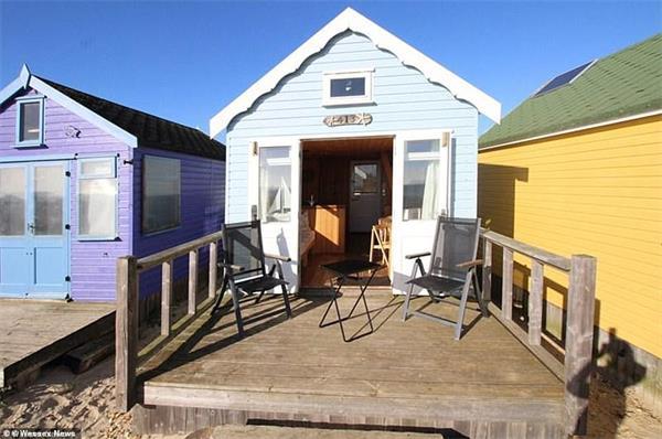 """""""宅度假""""英国新风尚!天价小木屋成为英国史上最贵的海滩小屋!9"""