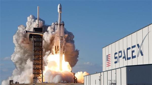 送上火星不是梦!搭乘龙飞船的宇航员正在返回地球途中!1