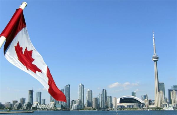 放弃美国!全球人才正向北移至加拿大1