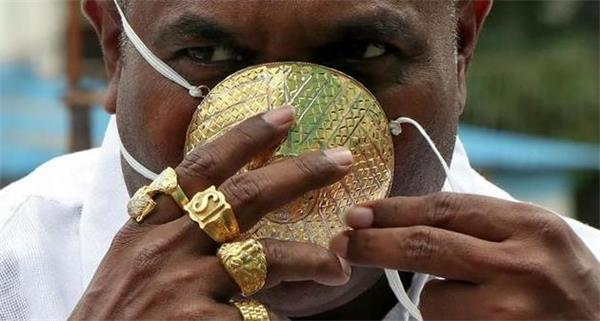 镶3600颗钻!打造150万美元的超豪华口罩为哪般?4